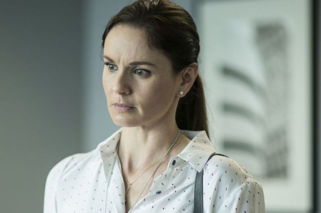 3Sara (Sarah Wayne Callies) in 'Prison Break' s05e03, 'The Liar'