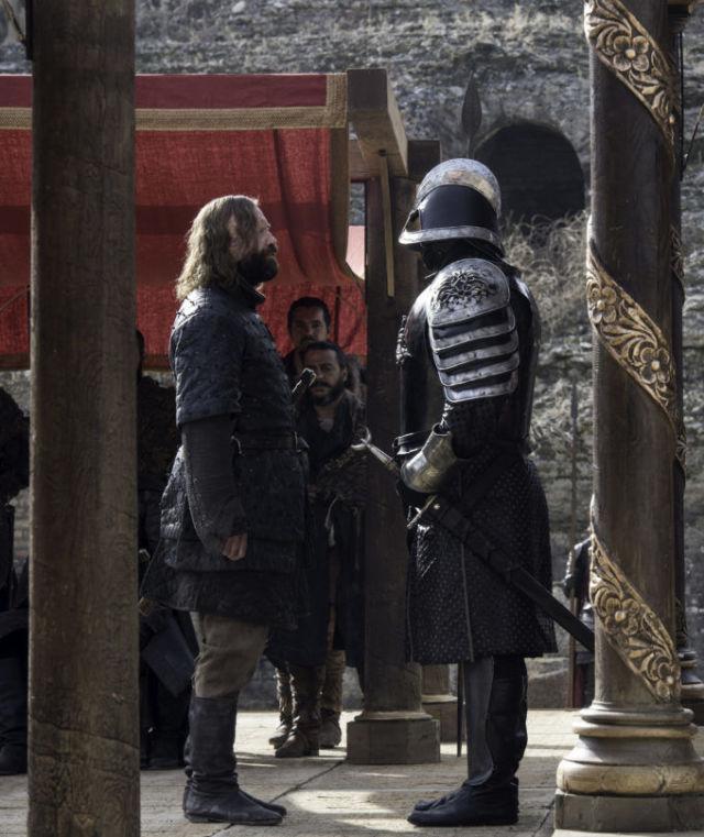 Montanha e Hound em Game of Thrones