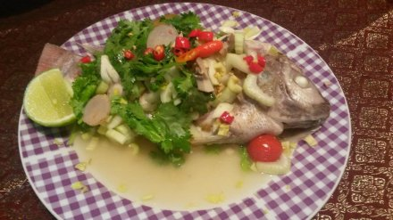 Steamed fish with lemon source