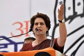 प्रियंका गांधी को मिली आगरा जाने की इजाजत, लखनऊ से रवाना