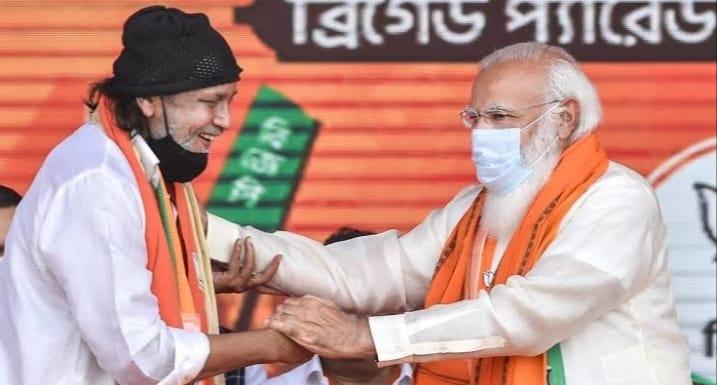 चुनावी मंच पर विवादित बयान देने पर अभिनेता और भाजपा नेता मिथुन चक्रवर्ती से कोलकाता पुलिस कर रही है पूछताछ