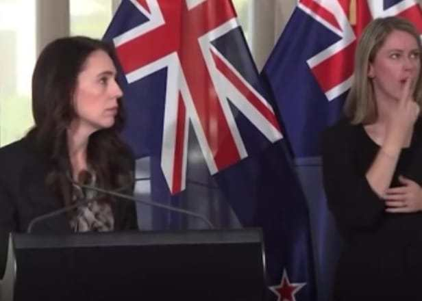 New Zealand PM Jacinda Ardern continues Press Conference despite earthquake of magnitude 5.9 on Richter scale