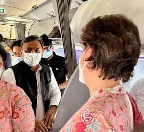 When Priyanka Vadra met Akhilesh Yadav on a Lucknow flight