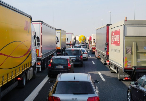 Picture of a modern day traffic jam to show if manual or automatic safer.