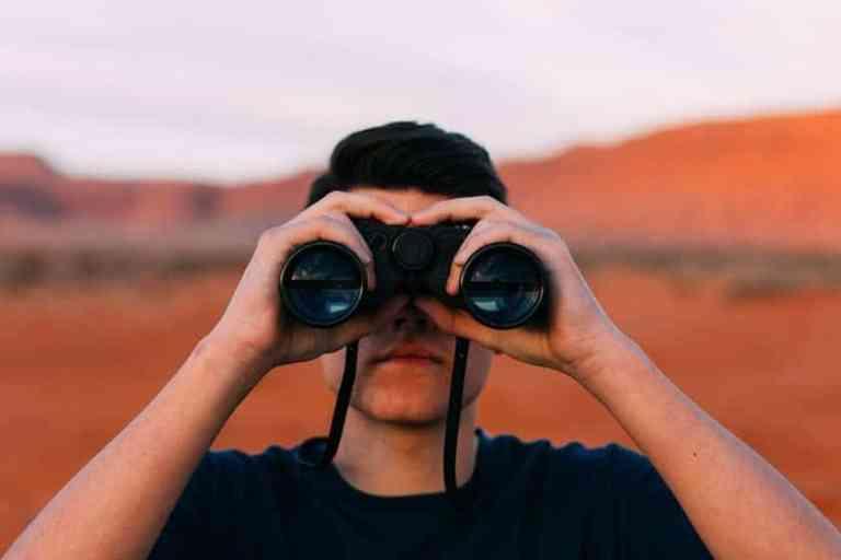 الطريقة المجانية لمعرفة إعلانات منافسيك على فيسبوك وانستجرام