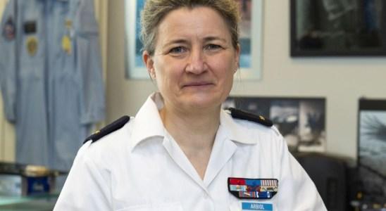 Le général Dominique Arbiol , première femme à la tête de l'école de l'air en France.