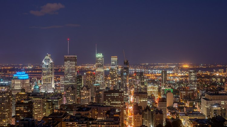 A contemporary photograph of montreal at night
