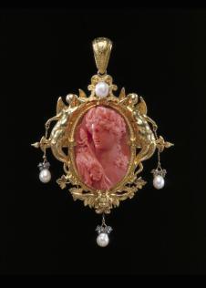 Pendant with coral cameo, Paris 1854, Victoria & Albert Museum (M.30-1962)