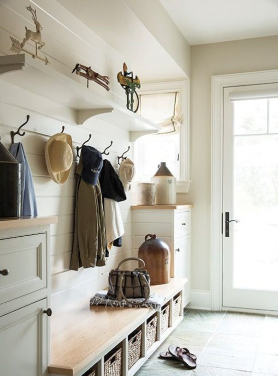 White Cape Cod Style House 27 Cozy And Simple Farmhouse Entryway Décor Ideas - Digsdigs