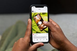 hide photos on Instagram without deleting