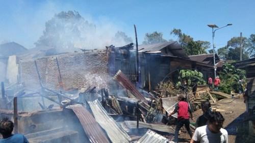 14 rumah warga hangus dalam kebakaran yang melanda area permukiman di Aek Toras, Pasar Sempurna, Kecamatan Marancar, Tapanuli Selatan, Sumatera Utara pada Kamis 23 Januari 2020 (ist)