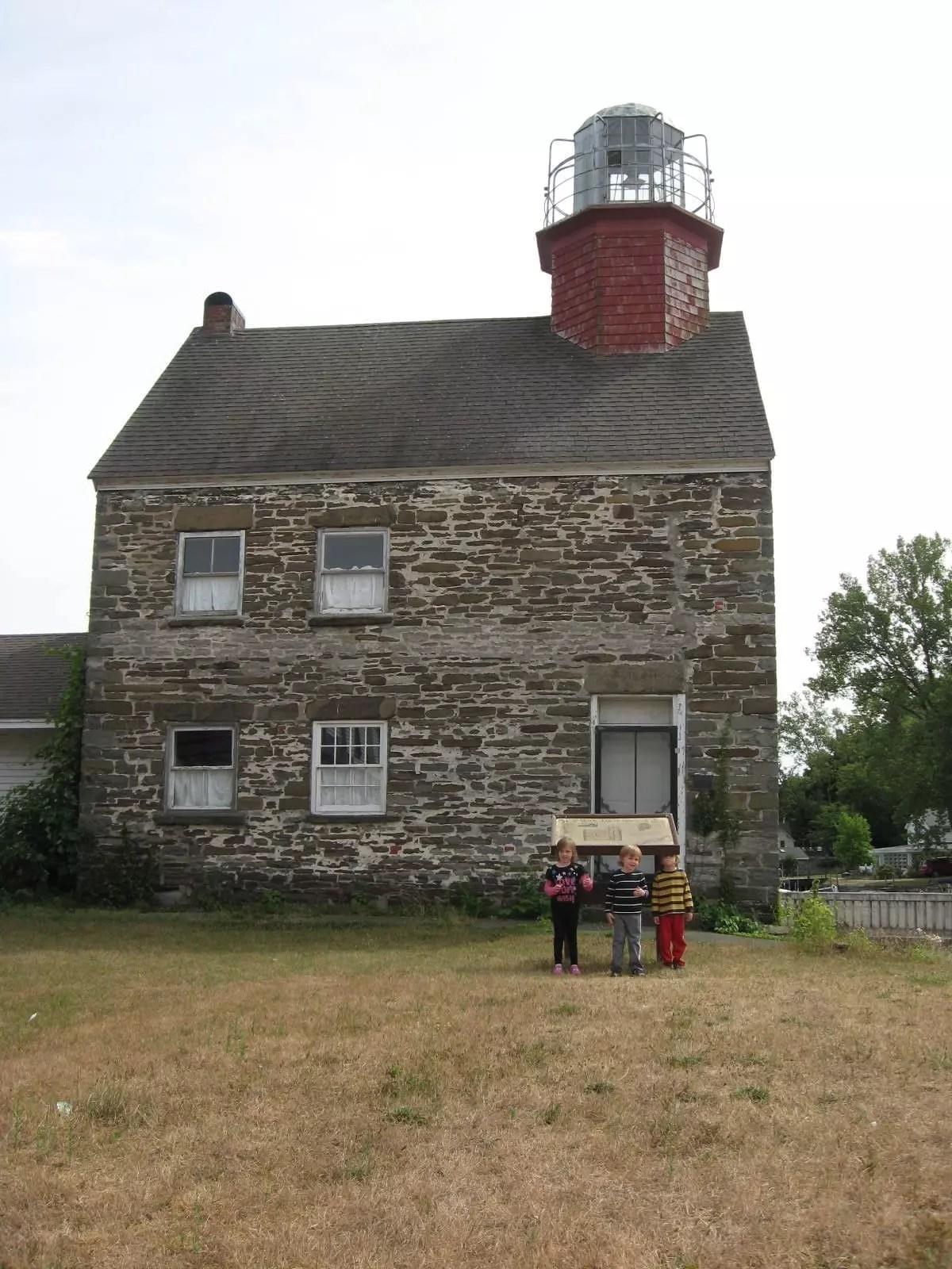 Selkirk Lighthouse, Birdcage, New York