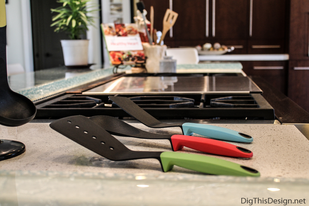 Crucible cookware with smart handle design.