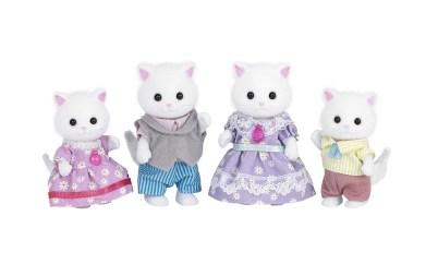 A linha Sylvanian Families ganha novos módulos para o faz de conta e novos personagens. A família de gatinhos persa é um mimo!