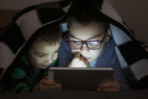 Como evitar que as crianças assistam vídeos impróprios no YouTube