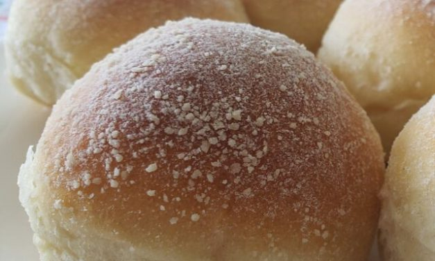 Pandesal – pão tipo bisnaguinha