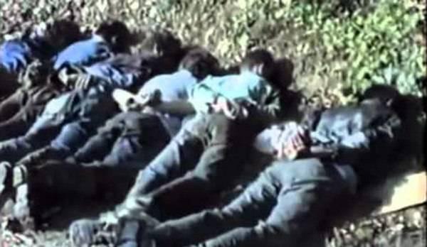 (+21) UZNEMIRUJUĆI VIDEO: Strijeljanje dječaka u Srebrenici-neka svijet ponovno vidi