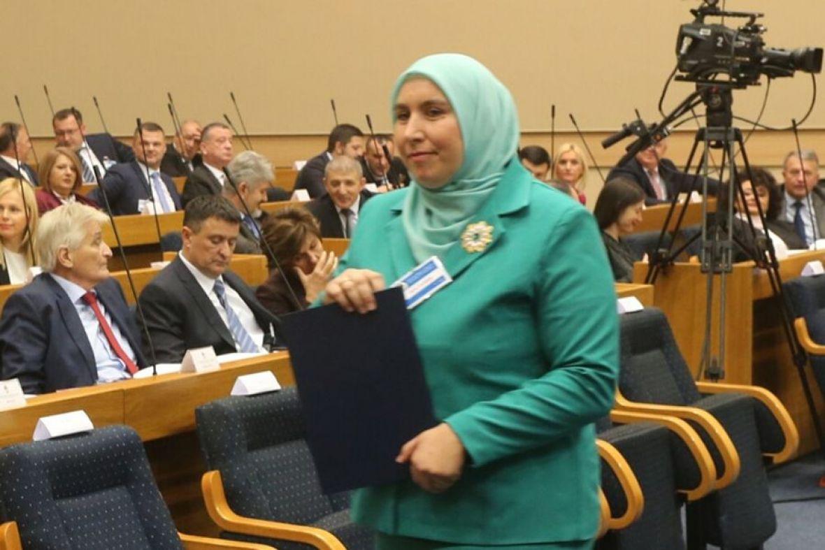 BL / Prvi put u historiji: U Narodnu skupštinu RS-a ulazi zastupnica sa hidžabom