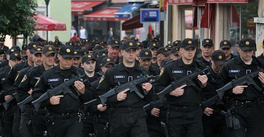 Policajci poručili građanima Tuzle: Uz nas možete biti sigurni