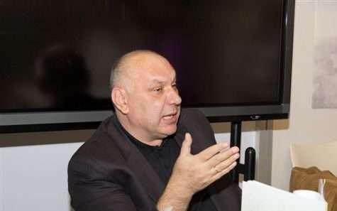 Nebojša Jovanović, istoričar koji sanja kraljevinu