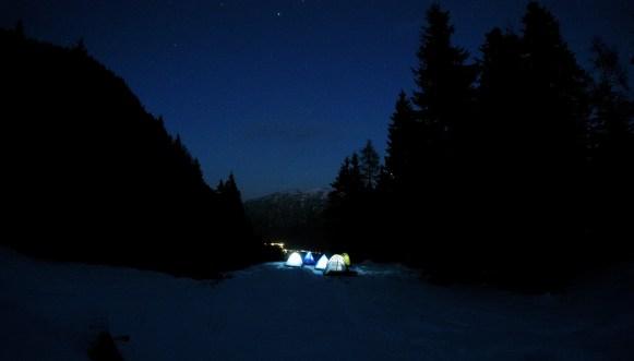 kampovanje noc