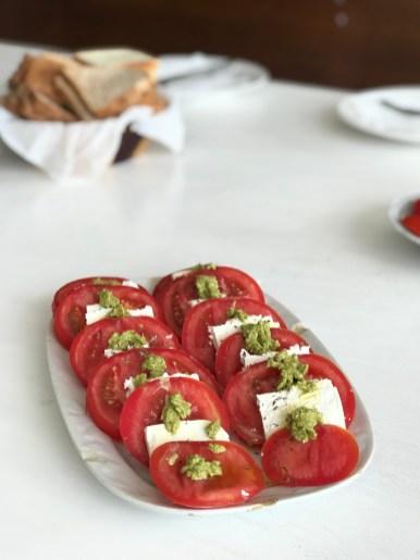 Domaća caprese salata