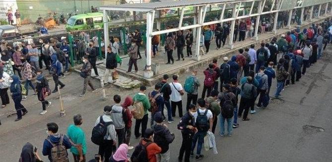 DKI Jakarta Mulai Hari Ini Geliat Perekonomian Mulai Berjalan