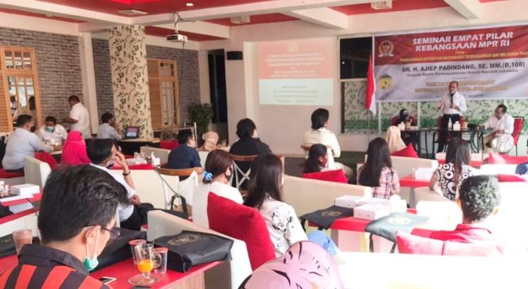 Seminar Kebangsaan Empat Pilar Anggota MPR Ajip Pandindang
