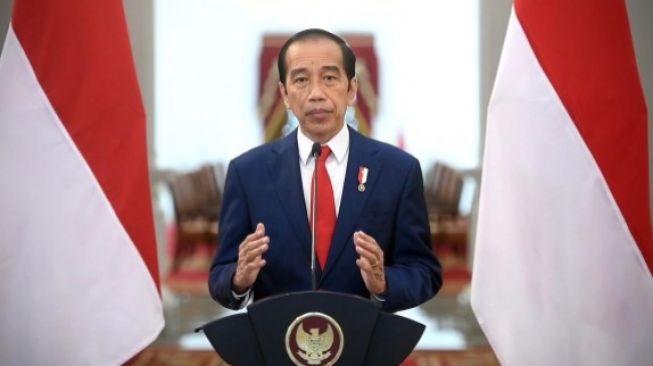 Presiden Jokowi Minta Menkes Menurunkan Biaya RT-PCR