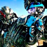 Megatron Yeni Transformers: The Last Knight Fragmanıyla Geri Döndü