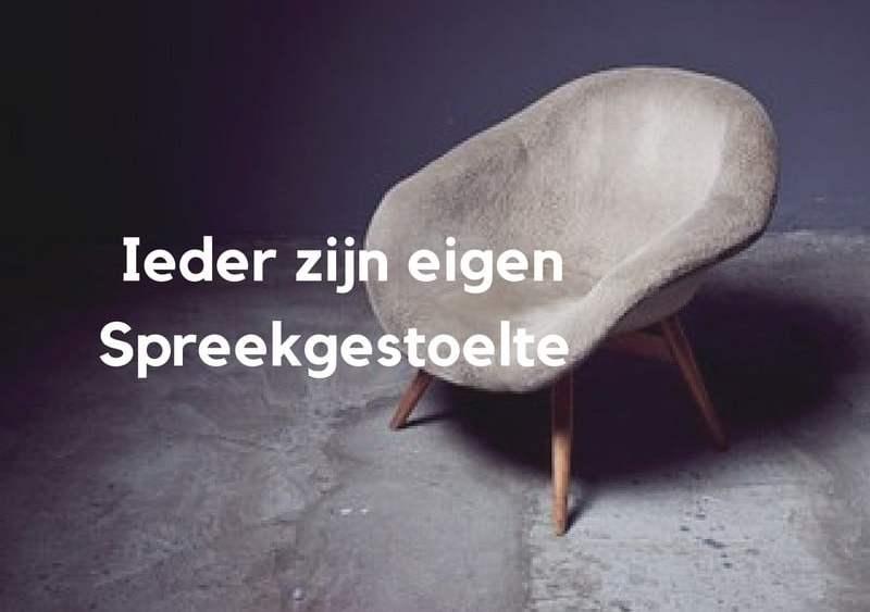 Een goed gesprek kun je overal hebben daar heb je geen stoel voor nodig