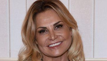 Game of Games, look sfavillante per la Ventura: omaggia Britney Spears