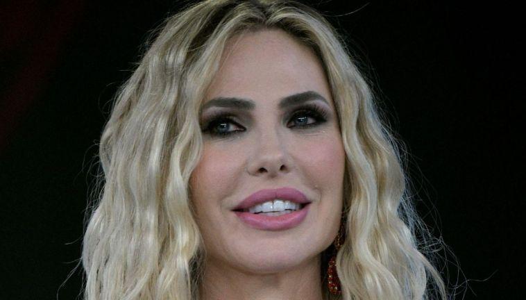 Star in the Star, Ilary Blasi replica alle polemiche ed elogia Carlo Conti