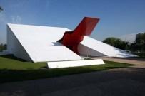 Sao-Paolo-Ibirapuera-Park-Auditorium-by-Oscar-Niemeyer