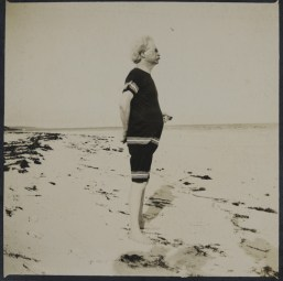 Mark Twain on the Bermuda beach