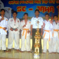 SMK Pemkab Ponorogo – Sabet Juara Umum Ju-Jitsu Se-Jatim