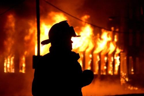 Nomer pemadam kebakaran di Makassar