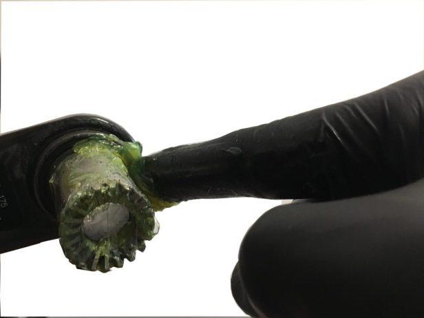 Graissage de l'axe de pédalier