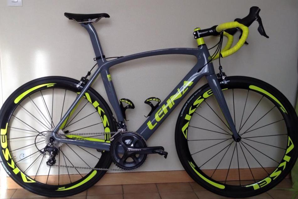 Vélo aéro de la gamme Lehna avec roues Aksel