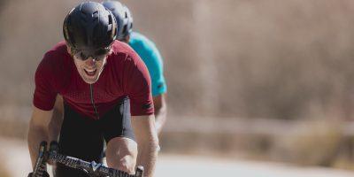Cyclistes équipés des tenues Shimano S-Phyre Evolve