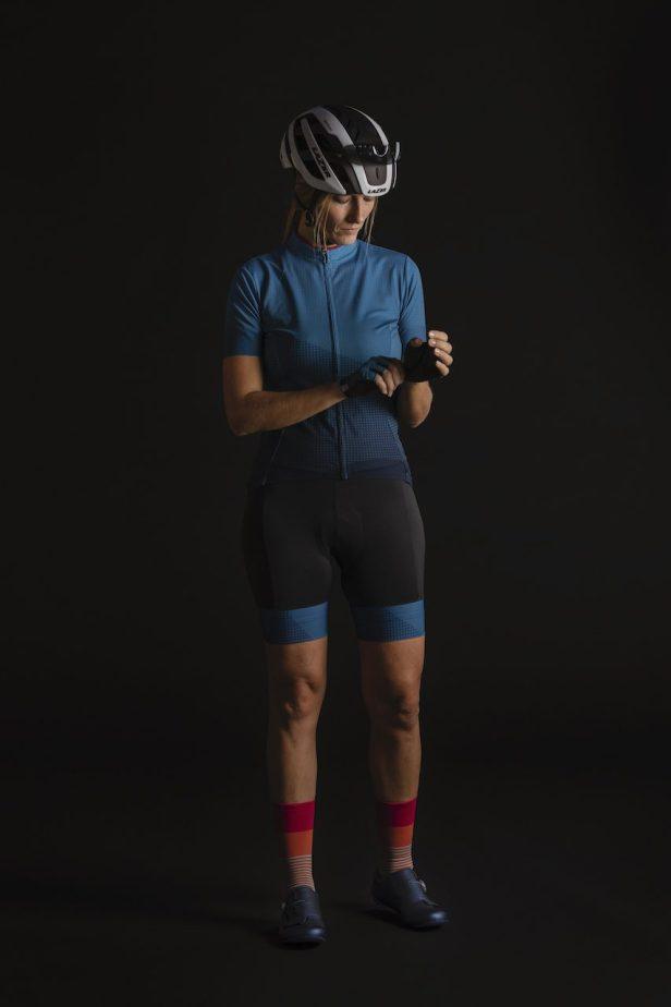 Vêtements été Shimano S-Phire sur une cycliste