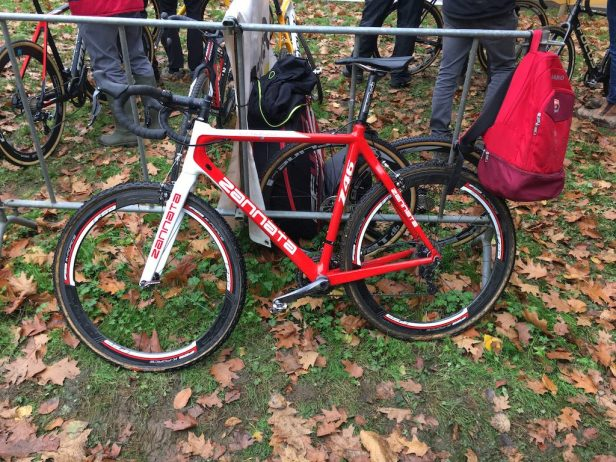 Vélo Zannata à freins cantilever
