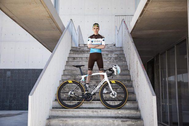 Romain Bardet d'Ag2R avec son Eddy merckx 525 Vélos Équipes Pros 2020