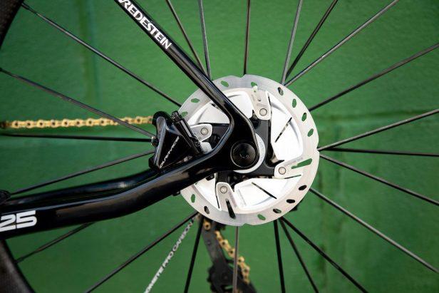 disque arrière de l'Eddy Merckx 525 Vélos Équipes Pros 2020