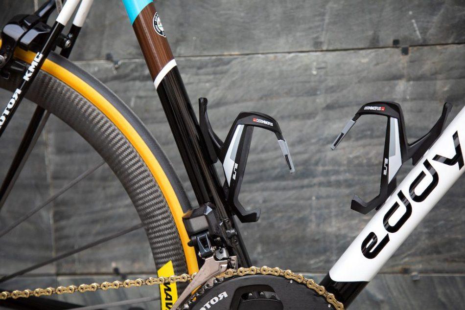 porte-bidon Elite Custom race Plus Vélos Équipes Pros 2020