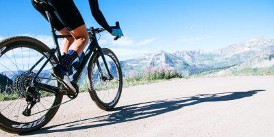 Cycliste avec pneus Zipp Tangente G40