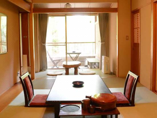 Wadoh Hotel Reviews And Room Rates