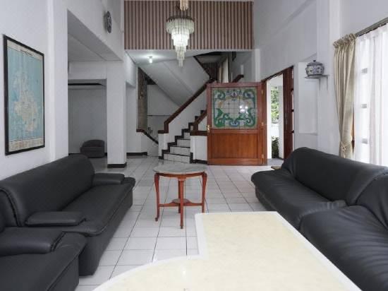 Reddoorz Cipaku Hotel Bintang 2 Di Bandung