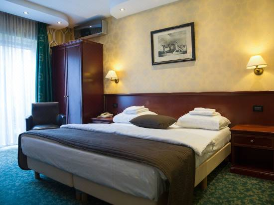 Hotel Zwanenburg Amsterdam Airport Hotel Reviews And Room