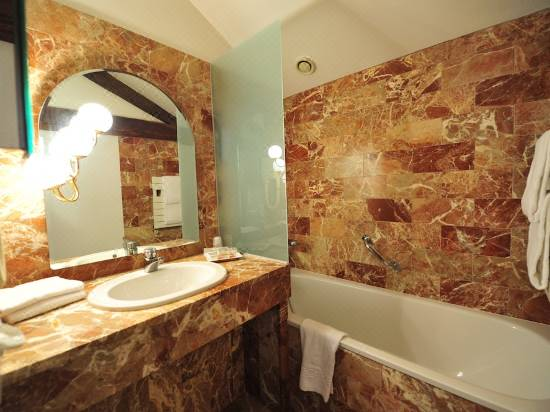 Chateau Du Clos De La Ribaudiere Hotel Reviews And Room Rates